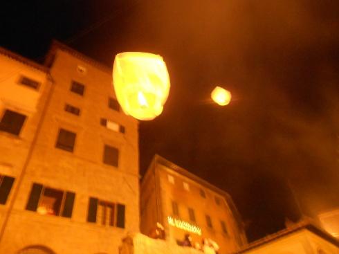 Chinese lanterns Cortona 29 12 12 8
