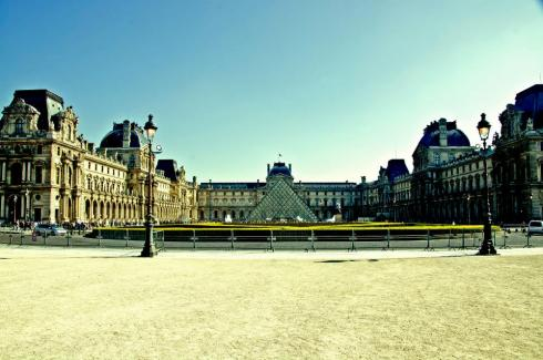 Louvre: romeisalwaysagoodidea.wordpress.com