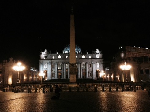 St. Peter's at night - blogginginitaly.com