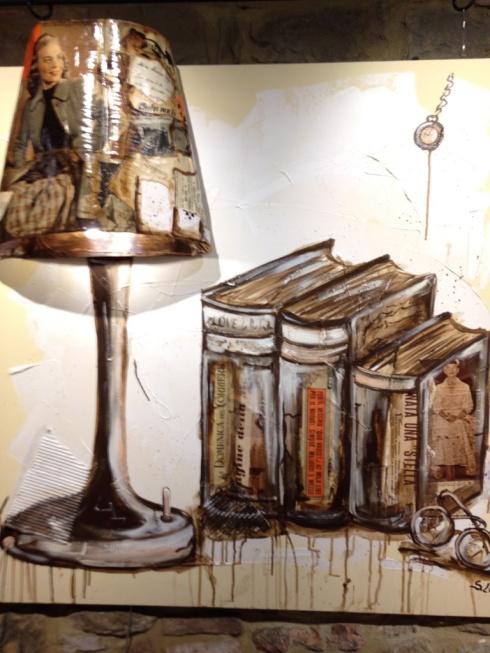 Bookshelf and lamp ©Blogginginitaly.com